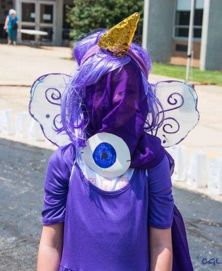 Purple people eater contestant