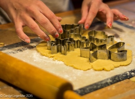 2016_11_26_family_baking-christmas-cookies_0043