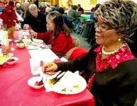 2016_12_25_willoughby-umc_christmas-dinner-2016_0010