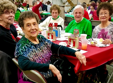 2016_12_25_willoughby-umc_christmas-dinner-2016_0015