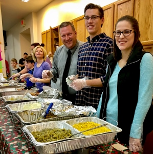 2016_12_25_willoughby-umc_christmas-dinner-2016_0016