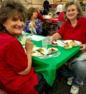 2016_12_25_willoughby-umc_christmas-dinner-2016_0017