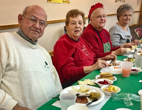 2016_12_25_willoughby-umc_christmas-dinner-2016_0020